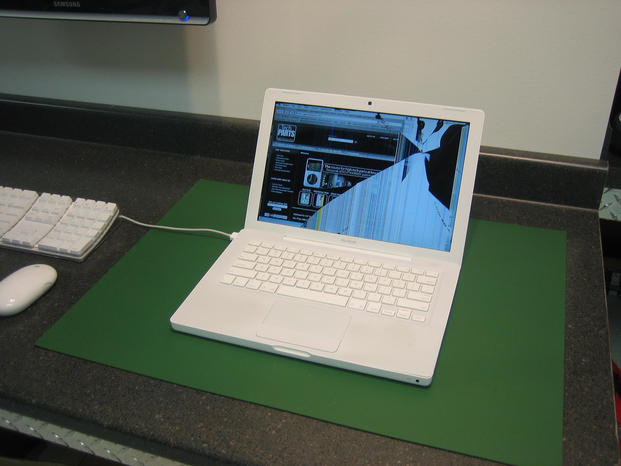 crack macbook screen